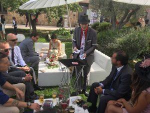 Magia de cerca en boda para el cocktail